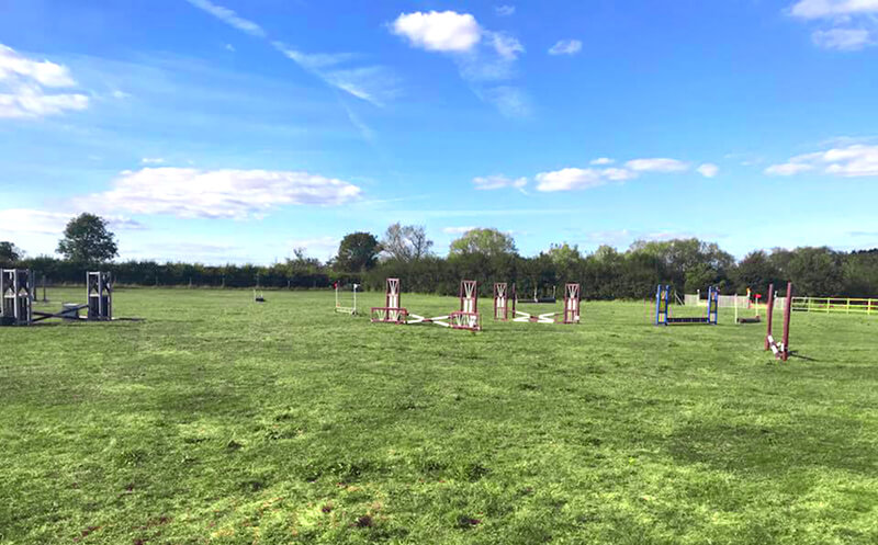 show jump paddock for hire